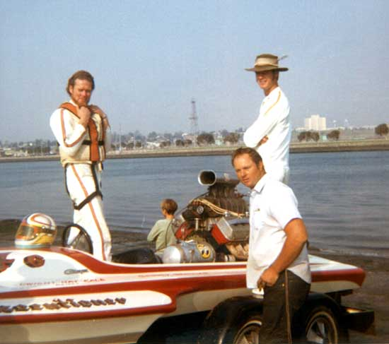 DWIGHT and MAC BALE MEMORIAL PAGES - Drag Boat racing in the 1960's ...: http://www.narberthpa.com/Bale/bmp/gl_mac_intro.htm
